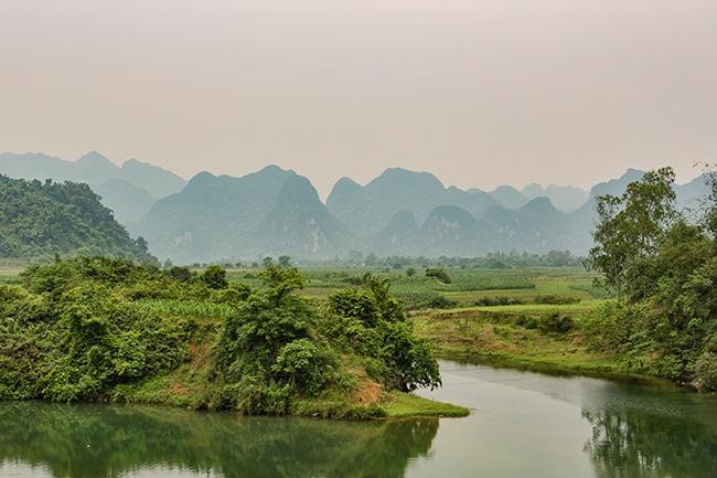 From Phong Nha to Phố Châu