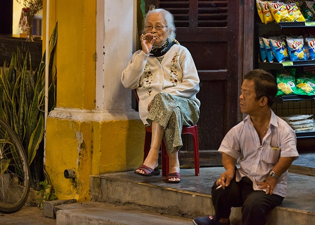 The bored Shopkeepers of Hội An