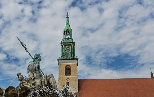 Martinskirche with Neptun fountain