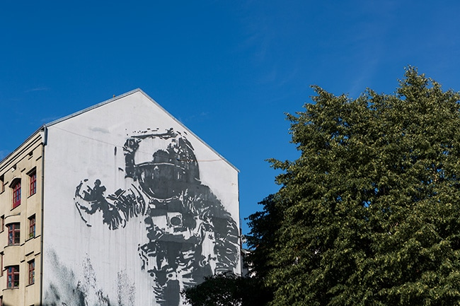 Street Art: The Astronaut