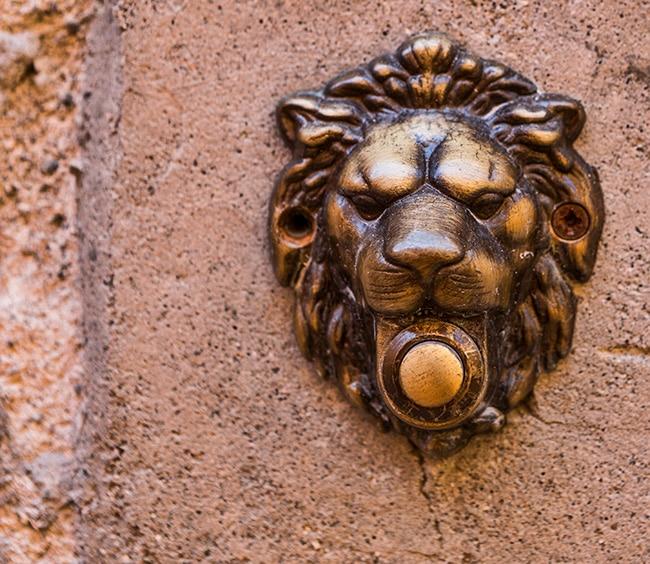 Door Bell at Calle del Sotoportego Scuro