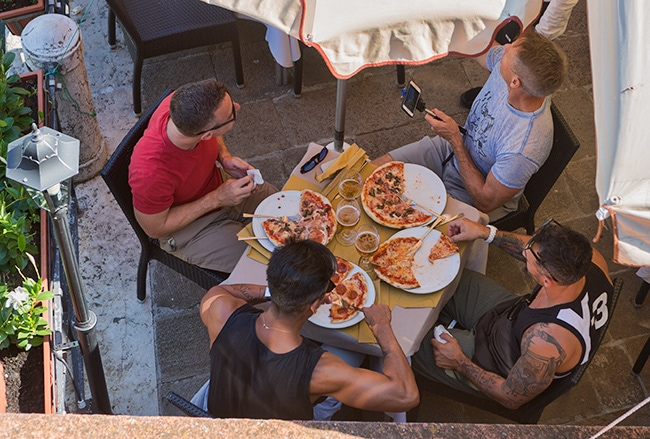 Lunchtime! Pizza and Beer: Perfect combination for lunch!