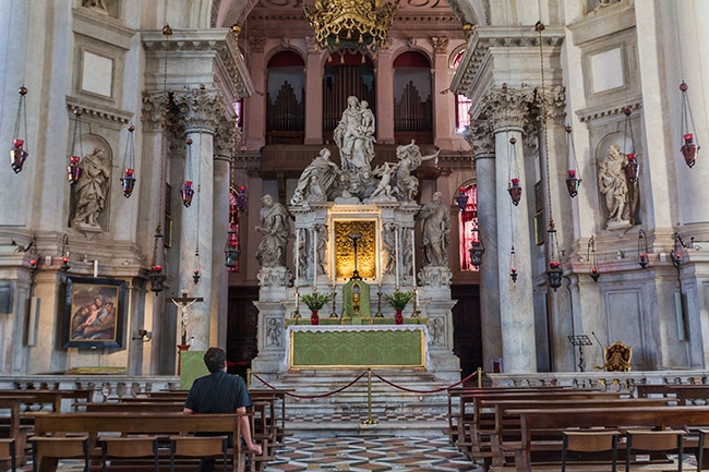 High Altar with the holy icon of Panagia Mesopantitisa
