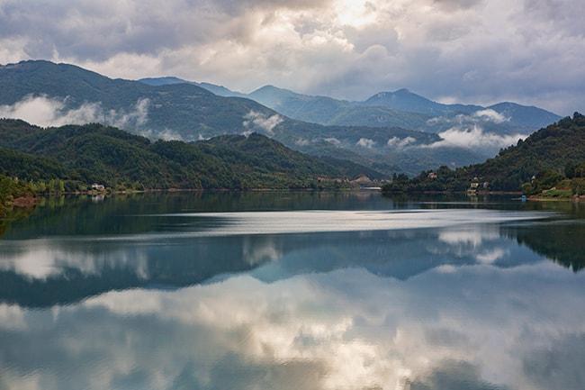 At Jablanicko Jezero
