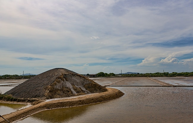 Salt production close to An Ngãi