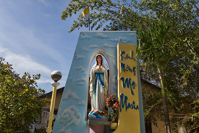 Maria at Giáo xứ Tinh Hoa
