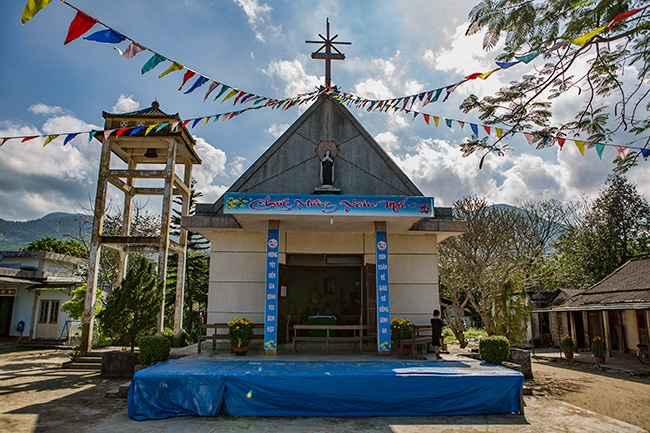 Small church in Đá Bạc