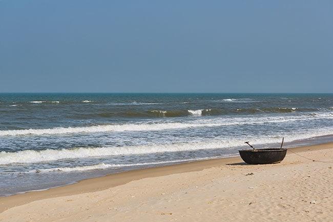 The beach at Quốc Phòng