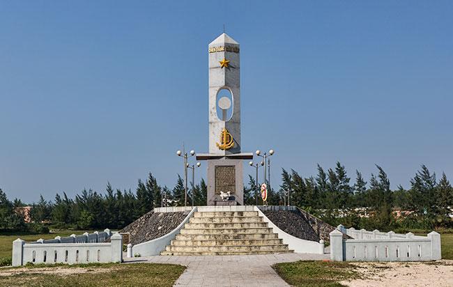 War memorial in Cửa Việt