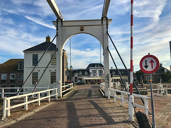 The old part of Stavoren is built at the harbour. From the train station you walk over the bridge and you are right in the center