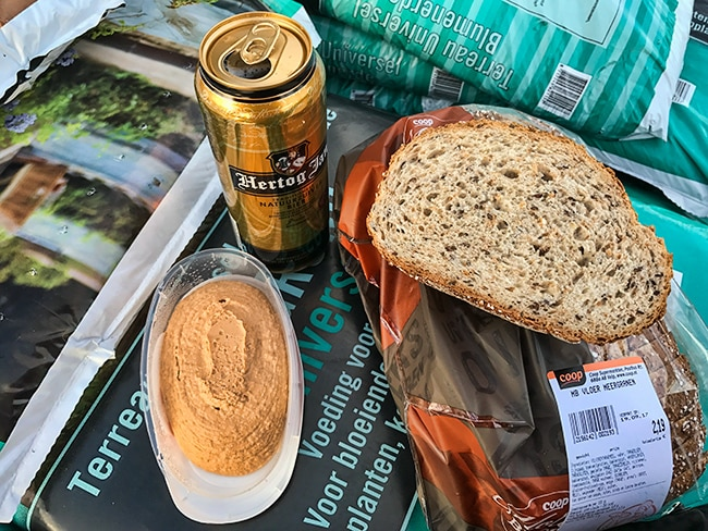 2,19 € for a small bag of pimped toast bread?