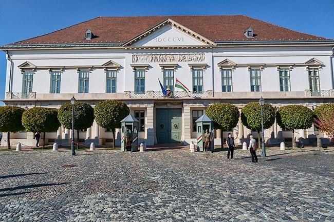 The Sándor Palace or Sándor-palota