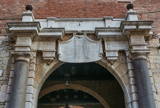 West Gate or Porta Orientale; carved template above door from Venetian rule, expunged in 1790s