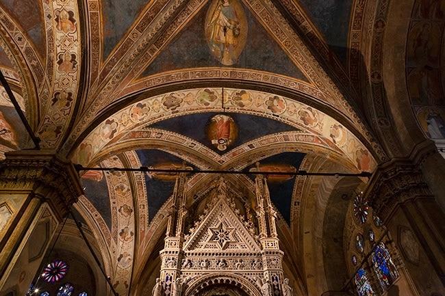 Inside the Chiesa e Museo di Orsanmichele