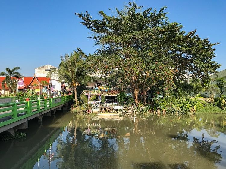 Walk in Rayon