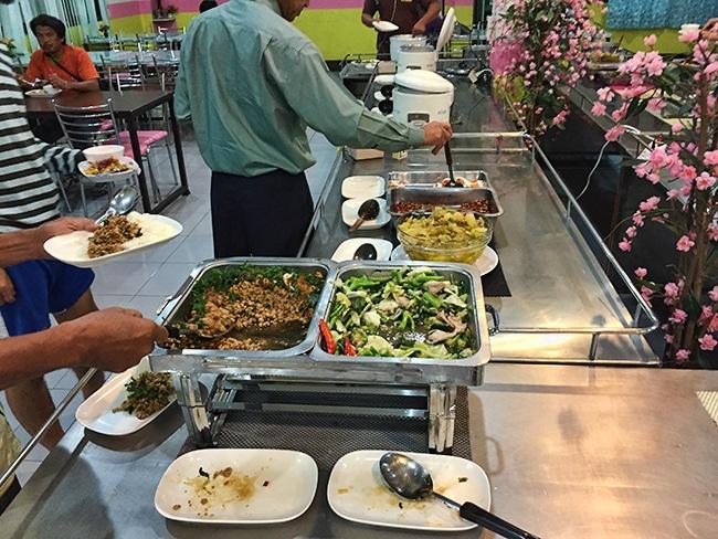 Food Bangkok Bus Lines Review