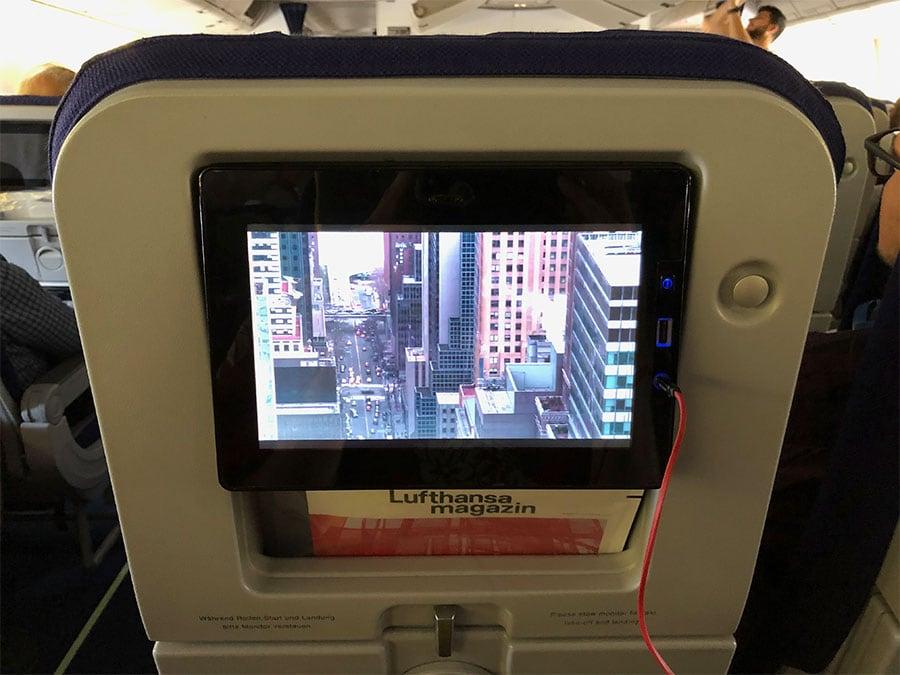 Airplane entertainmanet screen