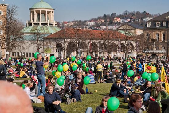 Menschenkette gegen Atomkraft Stuttgart 2011